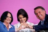 Michelle Bolsonaro, istri Presiden Brazil, dan dua putrinya negatif Corona