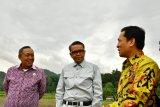 Gubernur Sulsel tinjau pembangunan jalan menuju objek wisata Kete Kesu