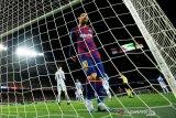 Messi antar Barcelona kembali ke puncak usai kalahkan Real Sociedad