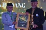 Wali Kota Padang terima penghargaan dari Ikatan Dai Indonesia