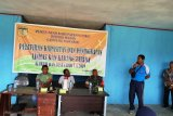 Bhabinkamtibmas latih kapasitas  anggota Linmas Kampung Nawaripi