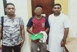 Warga Padang Bulan Jayapura ditangkap saat sedang isap sabu