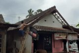 14 rumah dan satu SPBU di Ambarawa rusak diterjang puting beliung
