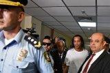 Khawatir kabur, hakim Paraguay perintahkan Ronaldinho tetap di penjara