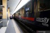 Italia merogoh kocek lebih dalam lawan virus corona