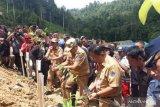 Gubernur Sulawesi Utara lakukan penghijauan di Kebun Raya Megawati