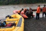 Baju tergeletak di tepi Sungai Serayu, penderita epilepsi diduga hanyut terbawa arus