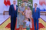 Jokowi ajak sang cucu sambut Raja dan Ratu Belanda