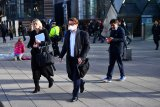 Inggris bujuk 65.000 mantan perawat dan dokter kembali bekerja kembali
