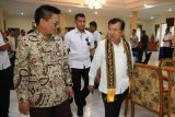 Jusuf Kalla diterima Gubernur Irianto