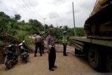 Polisi amankan jalur lintas Sulawesi Gorontalo-Buol yang terancam putus