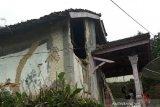 Sejumlah warga Sukabumi terluka tertimpa puing akibat gempa