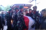 Jenazah korban penembakan KKB Serka La Ongge dimakamkan  TMP Baubau