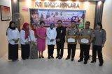 Pemkab Sleman beri penghargaan ke RS Bhayangkara dalam program KB