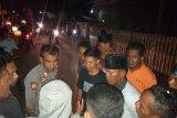 Oknum kepala sekolah cabuli siswinya, puluhan warga di Dompu blokir jalan