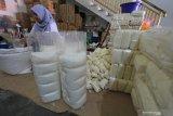 Stok gula menipis di Riau, harga eceran melambung Rp18.000 per kilogram