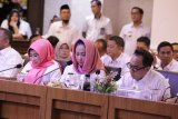 Bupati WInarti hadiri rakor dengan Gubernur Lampung