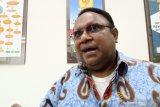 Anggota DPR Papua jalur pengangkatan protes surat pemberhentian dari Kemendagri