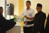 Anak putus sekolah dan suami stroke, Sumiati warga Sumbawa Barat harus banting tulang jadi tukang cuci keliling