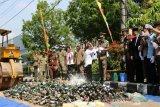 Satpol PP DIY musnahkan ribuan botol miras