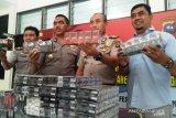 Peredaran rokok ilegal di Pariaman, polisi sita ratusan bungkus berbagai merek