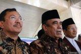 Menteri Agama : hilangkan sementara kebiasaan salaman tangan atau
