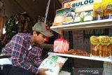 Penerima bantuan pangan nontunai di Kudus respons positif beras Bulog