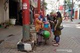 Tangkal virus corona, penjual jamu keliling promosikan