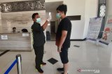 Cegah COVID-19, Kalbar tutup perlintasan darat perbatasan dengan Serawak Malaysia