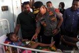 Kapolda NTT prihatin dengan kondisi para pasien DBD di Sikka