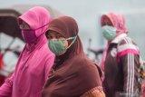 Melawan penyebaran pandemi COVID-19 dari rumah