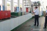 ASDP Baubau bersihkan kapal cegah COVID-19