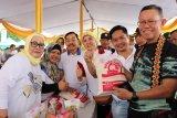 Sekdaprov Lampung Fahrizal Darminto buka bazar sembako