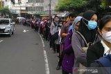 Warga kritik pembatasan penumpang Trans Jakarta