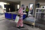 AP I lakukan penyemprotan disinfektan di Bandara YIA