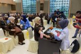 Ratusan jaksa di Riau divaksin influenza cegah Corona