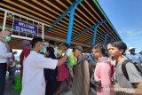 Wisatawan menuju tiga gili Lombok menjalani pemeriksaan kesehatan