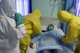 Lantamal VI simulasikan cara evakuasi terduga terinfeksi COVID-19