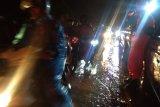 Sempat tertutup dua jam lebih, jalur Padang-Solok akhirnya dapat dilalui kendaraan (Video)