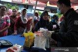 Operasi pasar Bahan pokok di Palembang