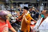 Pemkab dan IAI Banyumas bagikan pembersih tangan (VIDEO)