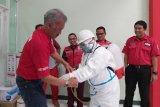 PMI DIY menyiapkan personel bantu penyemprotan disinfektan di area publik
