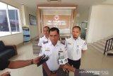 Pengelola Bandara Haluoleo membersihkan fasilitas dengan disinfektan