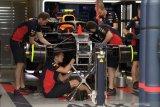 Sejumlah tim F1 bantu produksi alat kesehatan  untuk perangi COVID-19