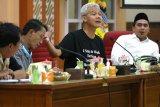 Gubernur Jateng perintahkan Satpol PP mengedukasi masyarakat untuk cegah COVID-19