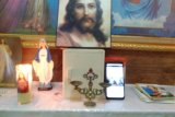 Umat Katolik Keuskupan Manado antusias ikuti misa live streaming  Uskup