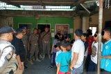 Satpol PP dan polisi di Pariaman bubarkan anak-anak di sejumlah warnet