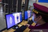 China bahayakan dunia karena sembunyikan informasi virus corona, kata Dubes AS di London