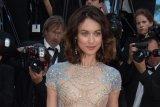 Mantan gadis 'James Bond' dinyatakan sembuh dari corona