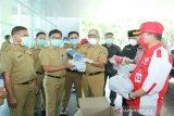 Pemkot dan BLK Kendari salurkan masker gratis kepada RS Bahteramas